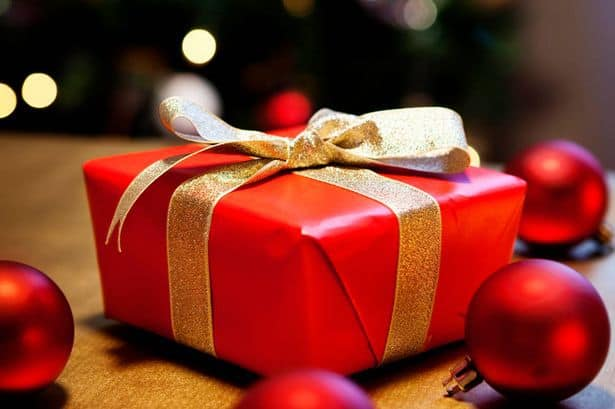 60 of the BEST Christmas Blog Posts To Rock Your Holiday Season