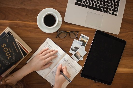 How to start your successful blog and work from home