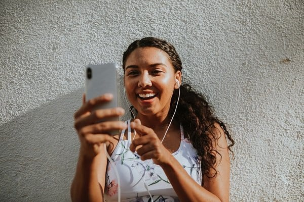 Podcasts for bloggers to inspire you to become better bloggers. Grow your blog by listening to these motivational podcasts. A lot of those on the list are podcasts for women looking to start their own home business or online business. Be inspired today! #podcasts #motivationalpodcasts