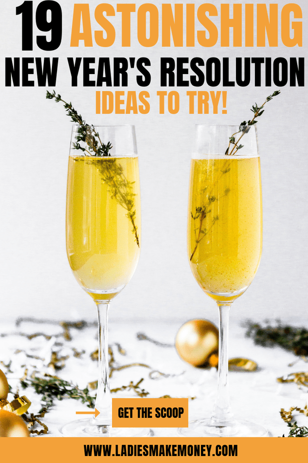 Start meal prepping in the new year. Here are a few New years resolution ideas for goal settings. Use these challenges to over come your new year's resolutions list. We have a full list of New Year's Resolution ideas for couples, students and women in general! #newyears #newyearsresolutions