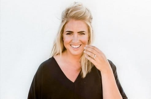 The best of Jenna Kutcher's Podcast. Learn more about Jenna Kutcher and how she build a successful entrepreneur business