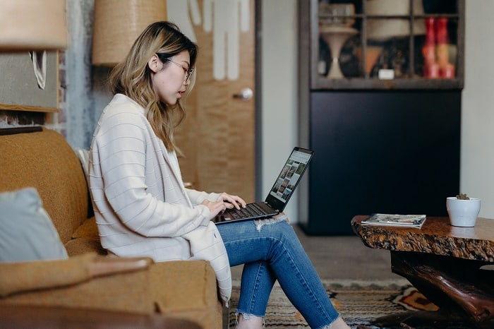 Ladies Make Money Online has a list of profitable side business ideas for ladies to start this year for extra money! If you work full-time but want some profitable side business ideas to start be sure to click this post now. Best business ideas to make money!