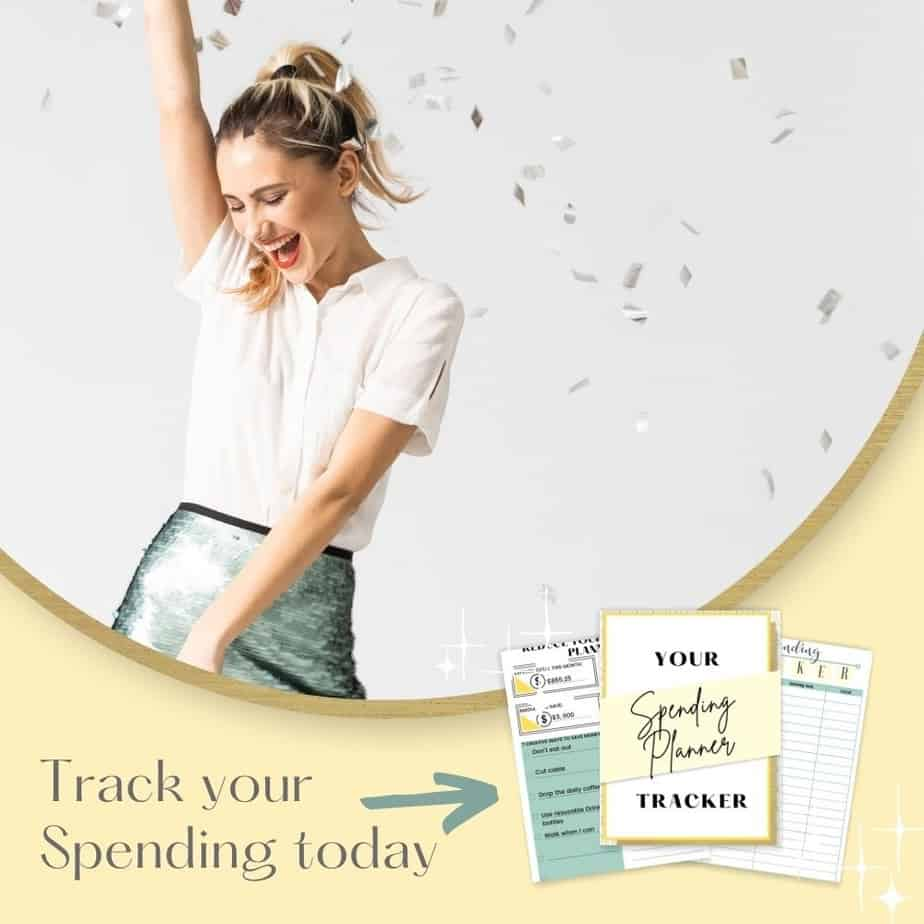 Spending tracker. Grab your free tracker today and save money right now! #spendingtracker