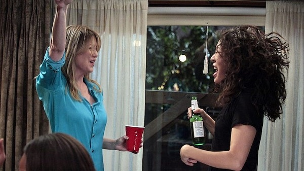 Best friend Meredith and Cristina dancing on Grey's Anatomy. Things to do with your BFF this summer!