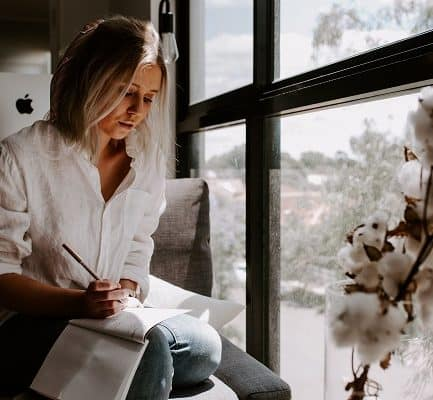 Here are a few valuable lessons you can learn from women in business. If you are a women entrepreneur running your own business and need inspiration, read this. Women Inspiring women is huge #womenentrepreneur #girlboss