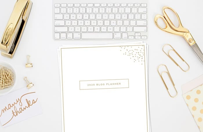 Here is the ultimate blog planner for bloggers to use to organize their blogging business.