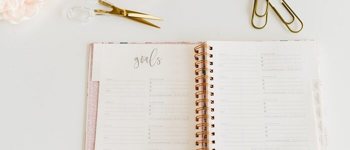 If you are looking for the best budget planner for budgeting, we have a great list for you. We searched the internet to come up with the best month budget planner out there. Check out this list of the best budget planner for beginners! #budgetplanner #budgeting #savingmoney