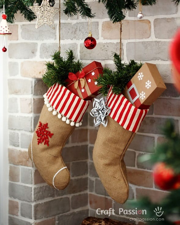 DIY burlap stockings you can make and sell for a profit.