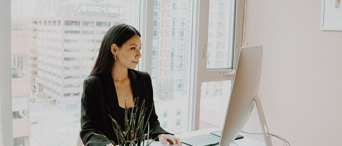 15 epic Low Stress Careers and Jobs for People With Anxiety that pay well. If you are looking for a good job that will allow you to make more money, then click here. We have listed 15 Low-Stress Jobs That You Should Definitely Know About!